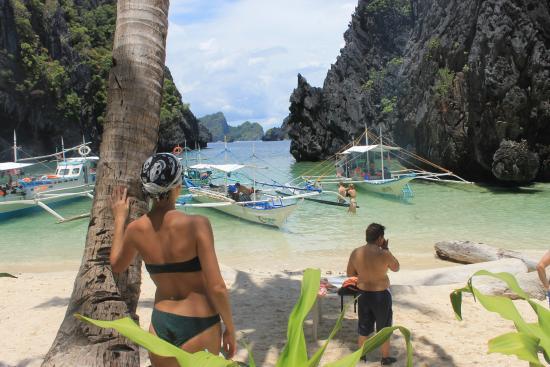 Simizu Island Amazing Islands and Beaches in El Nido