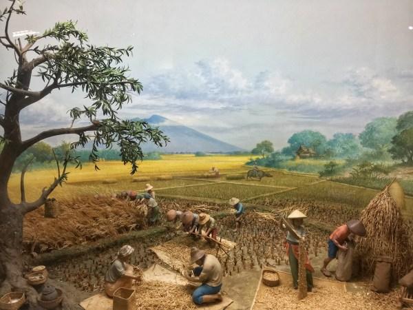 Amorsolo's Harvest Time Scene diorama