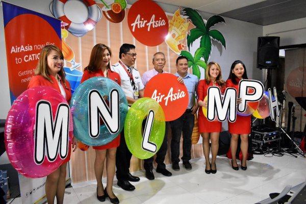 (L-R): Atty. Pastor Dalmacion – Chief Corporate Legal of MIAA, Capt. Gomer Monreal – Philippines AirAsia Director of Flight Operations, Adrian Ramirez – Azalea Hotels & Residences Group Marketing Communications Manager.