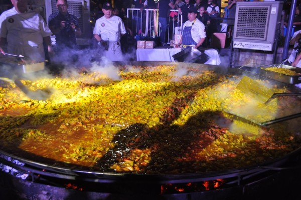Flavors of the Philippines was kicked off by Paella Gigante, where more than 50 chefs from the Philippine Young Chefs Club participated in cooking a giant paella worth 1,000 servings.