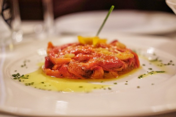 Desgarrat with olive oil red peppers with flakes of Cod Fish