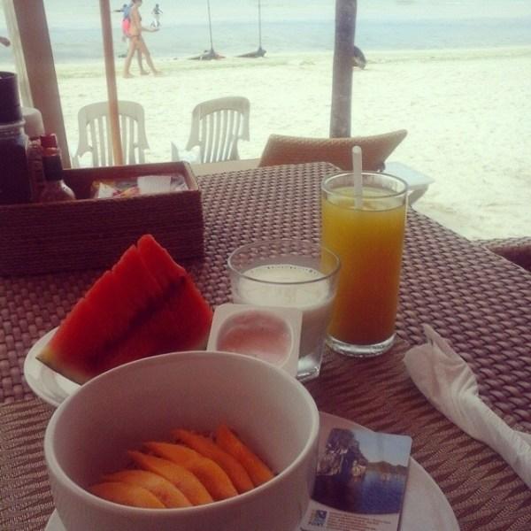 Healthy muesli breakfast set