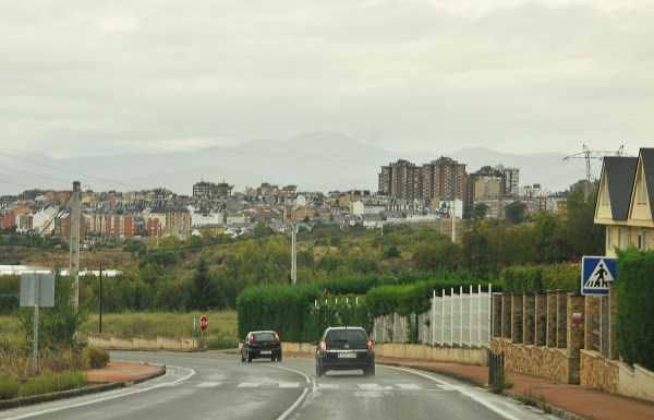 It was raining as I cycled into the town of Astorga.