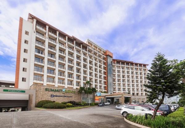 Summit Ridge Hotel Facade