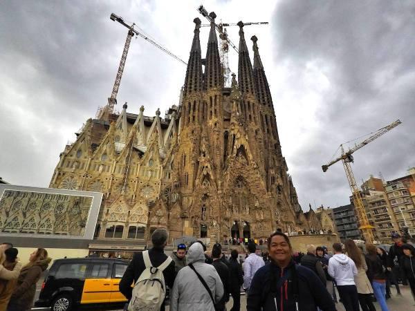 infront of La Sagrada Familia