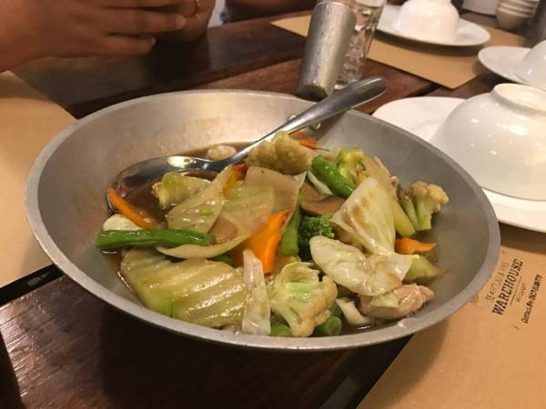 Chopsuey at Seafood and Ribs Warehouse