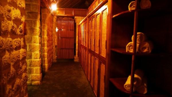 Locker and Changing Rooms at Mogambo Springs