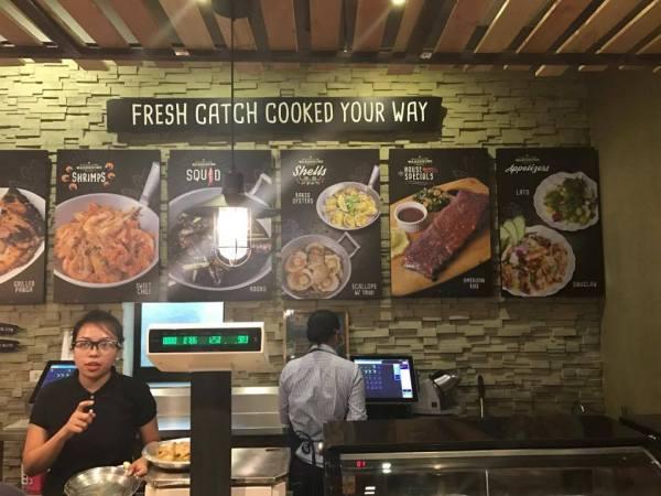 Order counter at Seafood and Ribs Warehouse