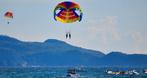 Parasailing courtesy of My Boracay Guide