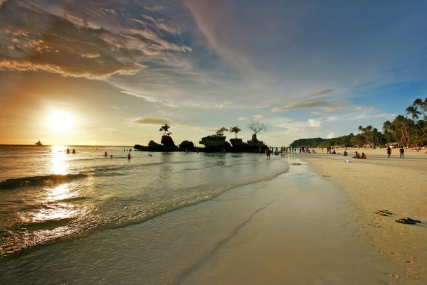 Experience What Boracay Has to Offer With Cebu Pacific Air