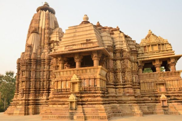 khajuraho western group temple