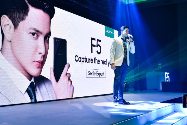 OPPO Endorser Alden Richards