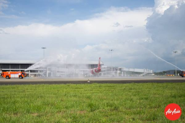 Water Canon to welcome the arrival of AirAsia in Iloilo