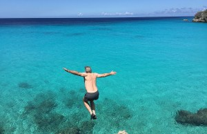 cliff jumping in Curacao