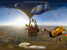 Twinz Acrobatic Paragliders jumping from a hot air balloon