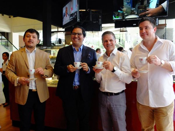 T to R: Douglas Ting, Retail Director of illycaffè Asia Pacific; Joey Esteban, Distributor and Franchisee, illycaffè Philippines; Andrew Nathan, General Manager, illycaffè Asia Pacific; and Paolo Quimson, General Manager, illy Caffè Philippines.