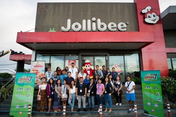Lakbay Norte 7 Team at Jollibee NLEX by Martin San Diego- NPVB