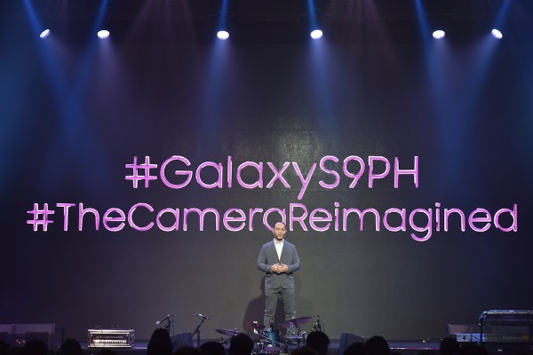 Jerry Manus, Business Unit Head for IT & Mobile, Samsung Electronics Philippines Corporations, welcoming Philippine media and valued partners to the unveiling of the SAMSUNG Galaxy S9.