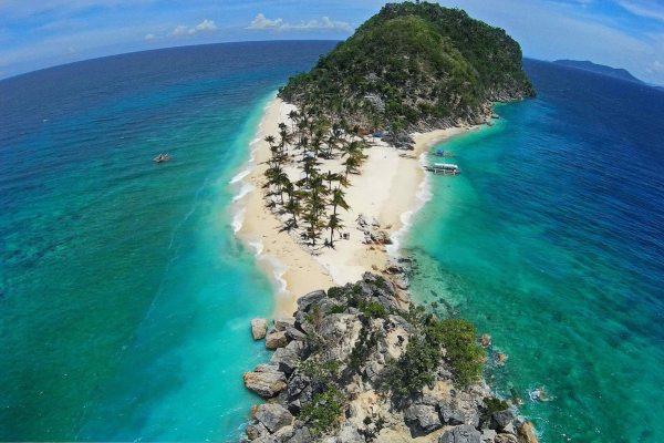 Islas de Gigantes by Rex Gamboa via Las Islas Travel and Tours