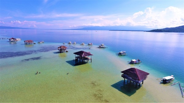 Manjuyod White Sand Bar in Dumaguete