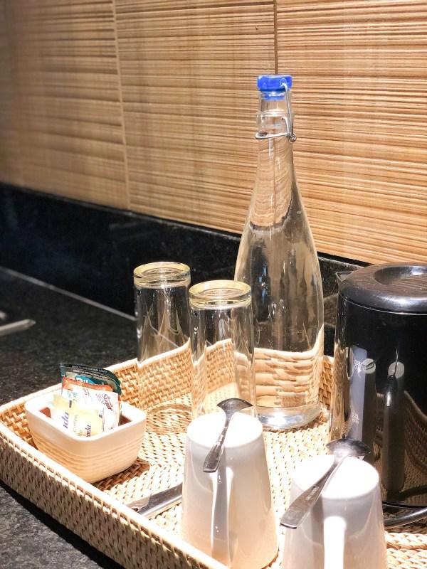Refillable Glass Water Bottles at Amorita