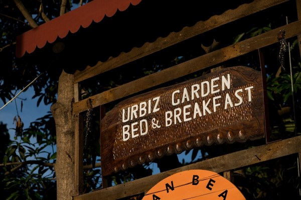 Urbiz Garden Bed and Breakfast by Martin San Diego- NPVB