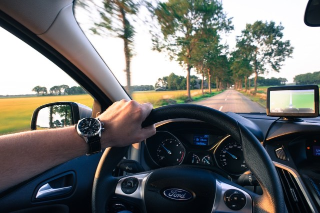 Driving your car is a convenient way to reach the city. [Image Credit: Pixabay]