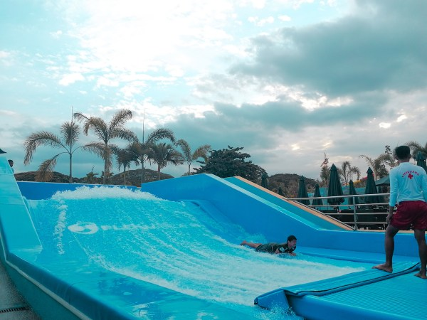 Flow Rider, ride that will test your surfing skills