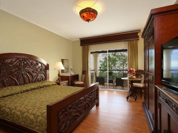 Rooms at The Peacock GArden Hotel