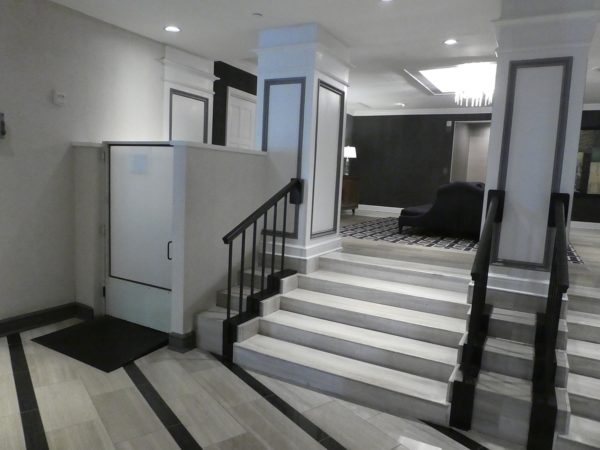 Handicap lift from the lobby to the elevators