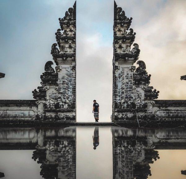 Bali Indonesia Travel Guide Photo by Raj Eiamworakul via Unsplash