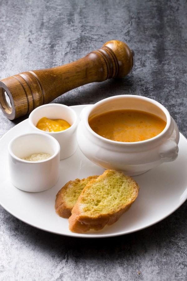 Cadenza-Fish Soup with Garlic