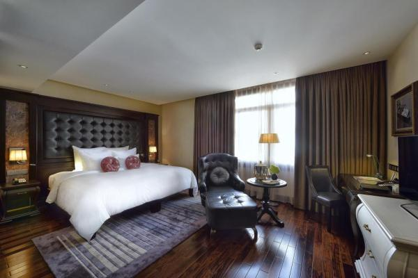 Paradise Suites Hotel in Halong Bay