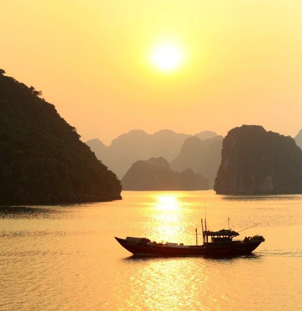 Travel Guide to Ha Long Bay in Vietnam