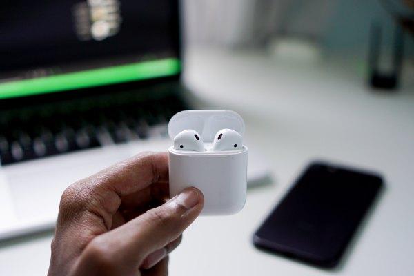 Apple AirPods photo by Suganth via Unsplash