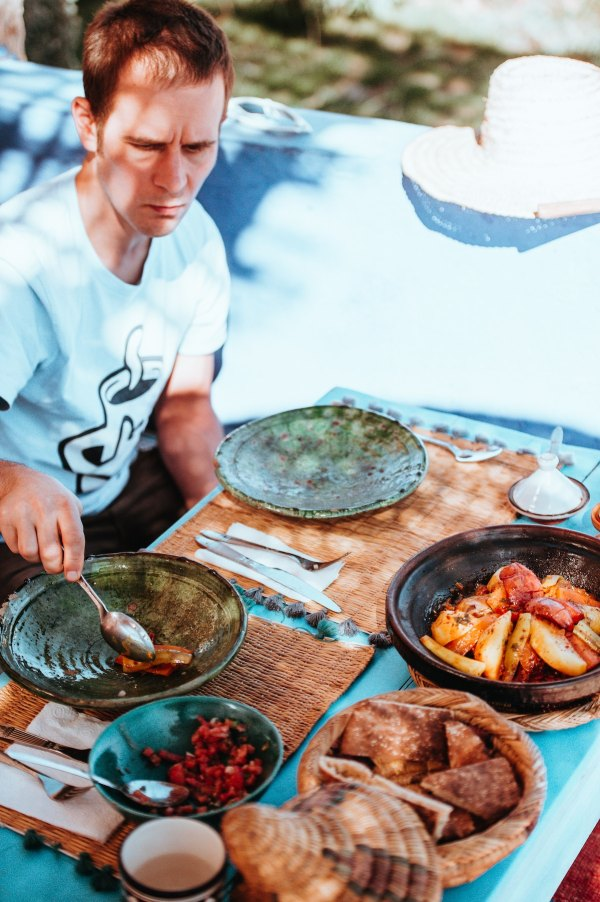 Cooking Using a Tajine by Annie Spratt Unsplash