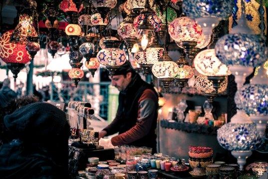 Marrakech Bazaar by Wei Pan via Unsplash