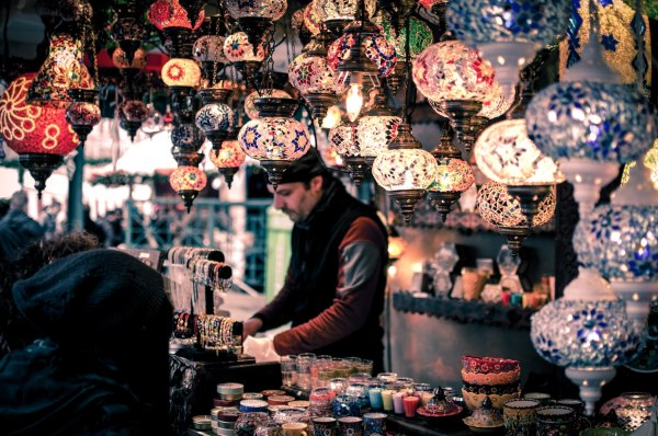 Marrakech Bazaar by Wei Pan via Unsplash Best Things to Do in Morocco