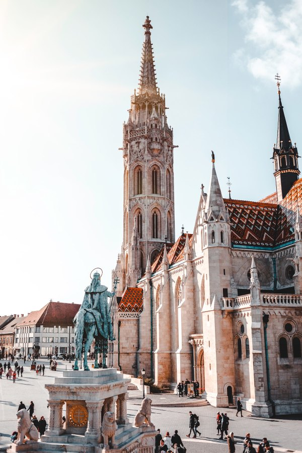 Matthias Church, Budapest, Hungary photo by Florian van Duyn via Unsplash