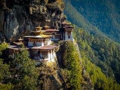 Travel Guide to Bhutan photo by Charles Betito Filho via Unsplash