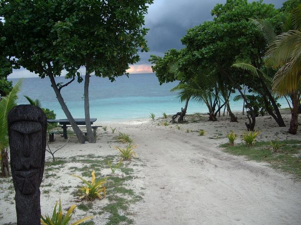 Bounty Island, Mamanuca Group, Fiji by JaredWiltshire via Wikipedia CC