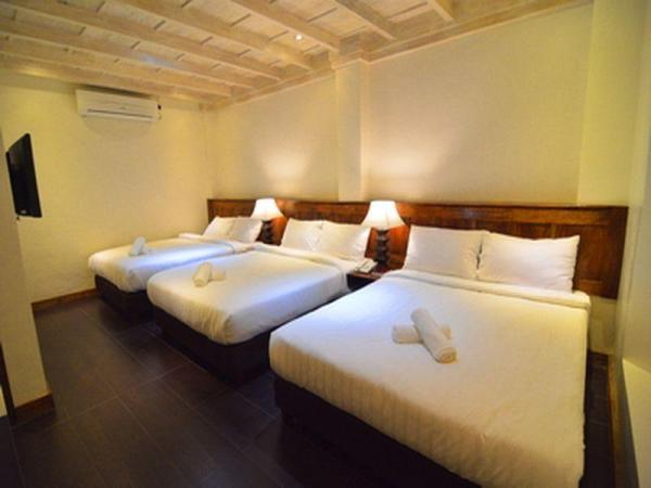 Family Queen Bed Room at Hotel Veneto de Vigan