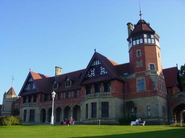 Miramar Royal Palace by Generalpoteito via Wikipedia CC