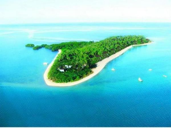 Robinson Crusoe Island Resort in Coral Coast Fiji
