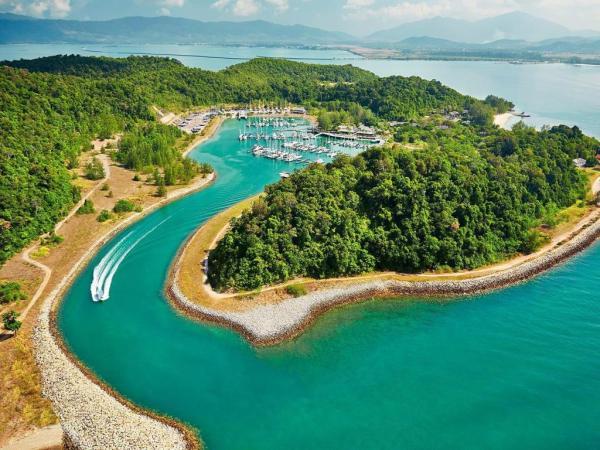Vivanta by Taj - Rebak Island Resort