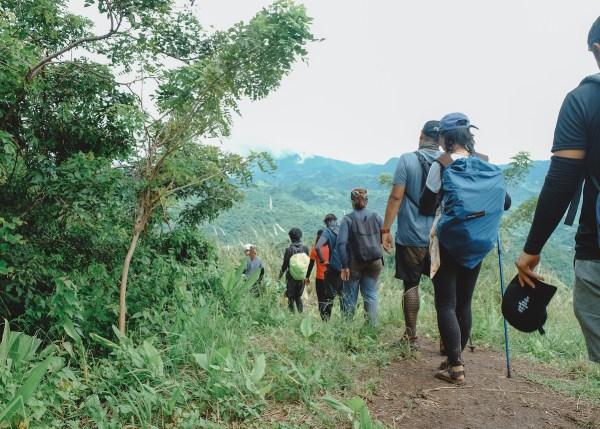 Ngusong Kabayo Cavern Trail