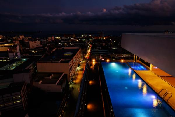 One Central Hotel - Pool at Night