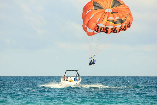 Parasailing in Ibiza