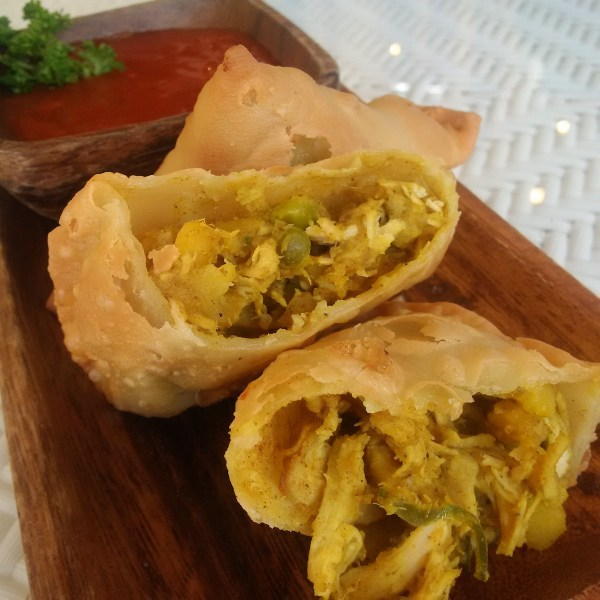 Simply scrumptious Chicken Samosa