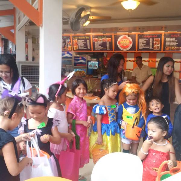 Trick or Treat parade goes on in D'mall.